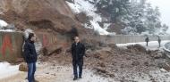 Μηχανήματα της Περιφέρειας Δυτικής Ελλάδας επιχειρούν για την αποκατάσταση της κυκλοφορίας στην περιοχή του Μεγάλου Σπηλαίου