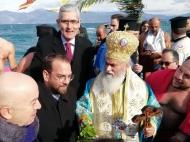 Νεκτάριος Φαρμάκης: «Η φώτιση και η ελπίδα να αποτελούν τους μόνιμους συνοδοιπόρους όλων»