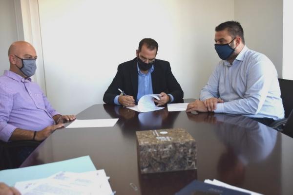 Υπογράφτηκε η σύμβαση για το οδικό τμήμα Άγιος Ιωάννης – Κατάκολο συνολικού προϋπολογισμού 1,74 εκ. ευρώ
