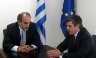 Συνάντηση του Περιφερειάρχη Δυτικής Ελλάδας Απόστολου Κατσιφάρα με τον Υφυπουργό Παιδείας Θ. Παπαθεοδώρου