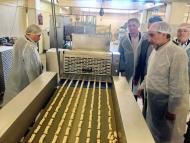 Η Περιφέρεια Δυτικής Ελλάδος στο πλευρό των μικρομεσαίων επιχειρήσεων- Ξενάγηση του Περιφερειάρχη στην «Αγρινιώτικο ΑΕΒΕ»