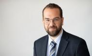Στοχευμένο πρόγραμμα του ΟΑΕΔ για την επανένταξη στην αγορά εργασίας των 91 απολυμένων της Frigoglass ζητάει ο Ν. Φαρμάκης