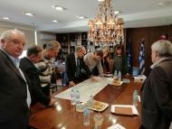 Στον Περιφερειάρχη Δυτικής Ελλάδας Απόστολο Κατσιφάρα παρουσιάστηκε η μελέτη για την οδική σύνδεση του Αγρινίου με την Ιόνια Οδό