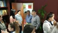 Η βραβευμένη στο Νόβισαντ της Σερβίας χορωδία του 18ου Γυμνασίου Πατρών τραγούδησε στον Αντιπεριφερειάρχη Αχαΐας Γρηγόρη Αλεξόπουλο