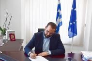 Παρέμβαση του Περιφερειάρχη Νεκτάριου Φαρμάκη στον υπουργό Αγροτικής Ανάπτυξης Μάκη Βορίδη για τους παραγωγούς ελιάς Καλαμών